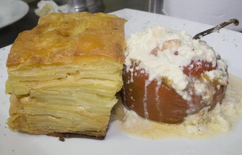 Rocoto relleno con pastel de papa arequipa